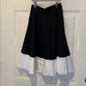 Amanda & Chelsea A-line blk/wht colorblock skirt.